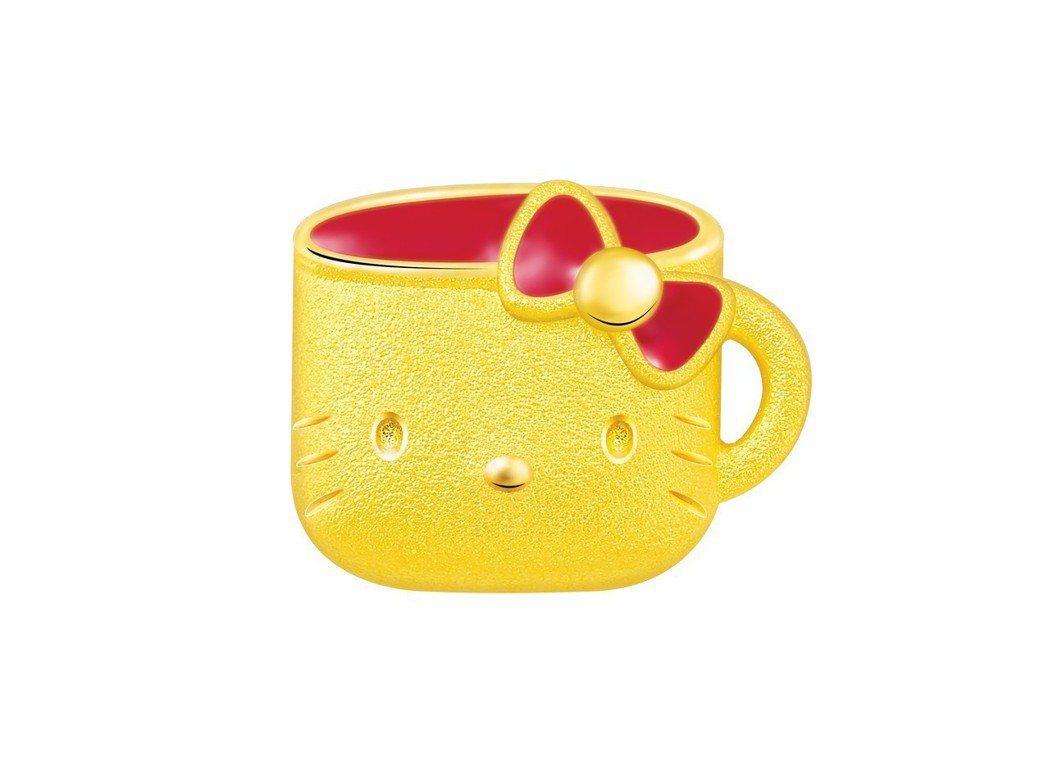 鎮金店Hello Kitty周年水杯單耳耳環,10,600元。圖/鎮金店提供
