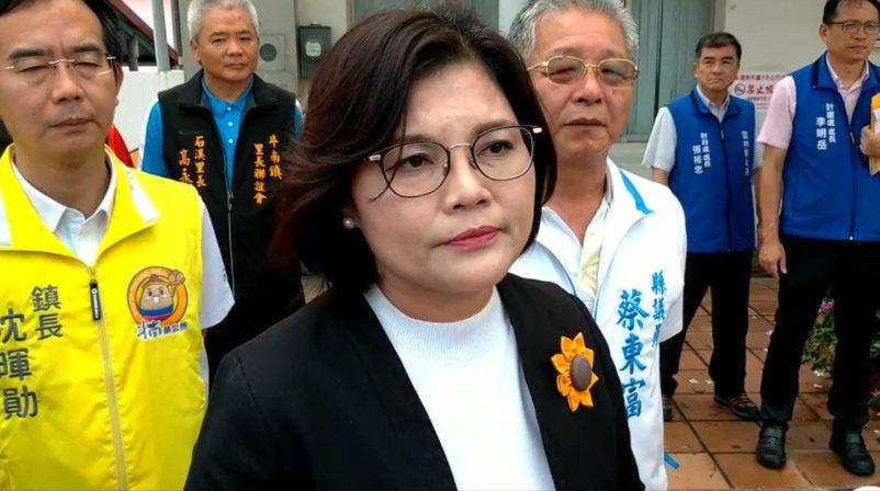 雲林縣長張麗善(中)針對李佳芬違建爭議回應,她表示,縣府立場。記者李京昇/攝影