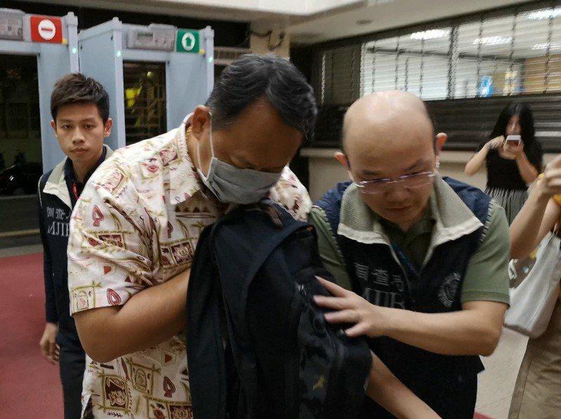 勇實貿易公司實際負責人陳建飛遭調查局移送台北地檢署複訊。記者賴佩璇/攝影