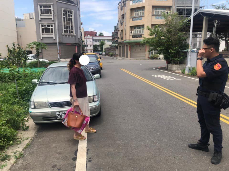 女子到藥局買藥十分鐘回來發現車不見以為失竊馬上報警。圖/警局提供