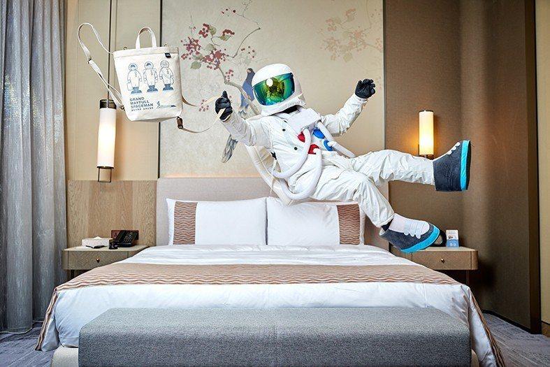 台北美福大飯店住房優惠多,還可以將房間的帳篷、玩具通通帶回家。圖/台北美福提供