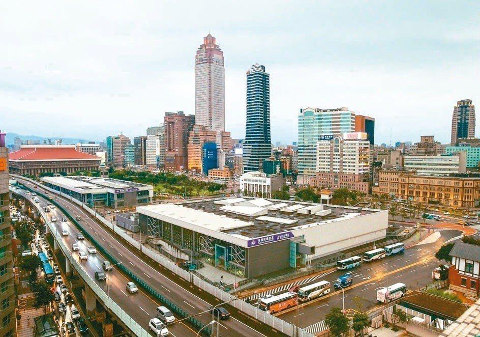 香港南海控股去年底拿下台北雙子星開發案,遭經濟部投資審議委員會駁回。南海發展為保...