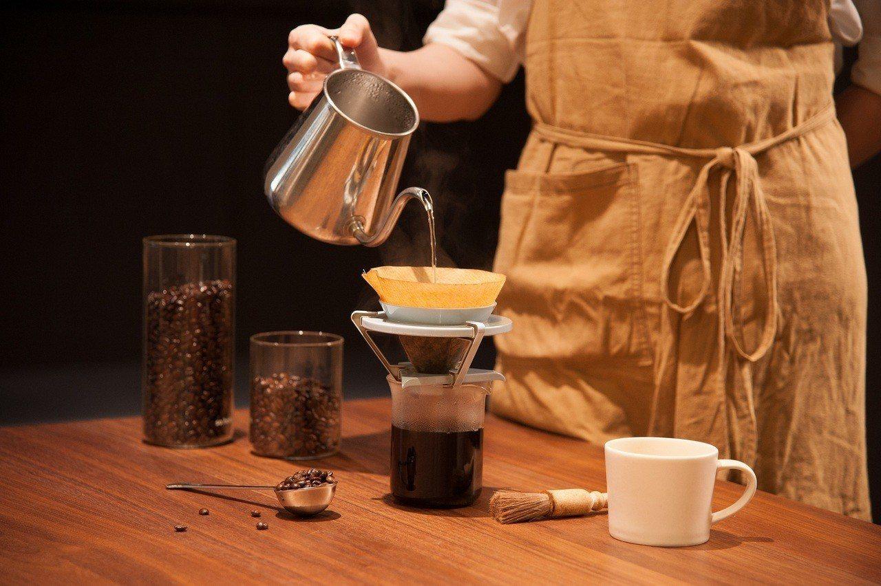 猿田彥珈琲台中園道店全台獨家推出「藝妓咖啡」。圖/誠品提供
