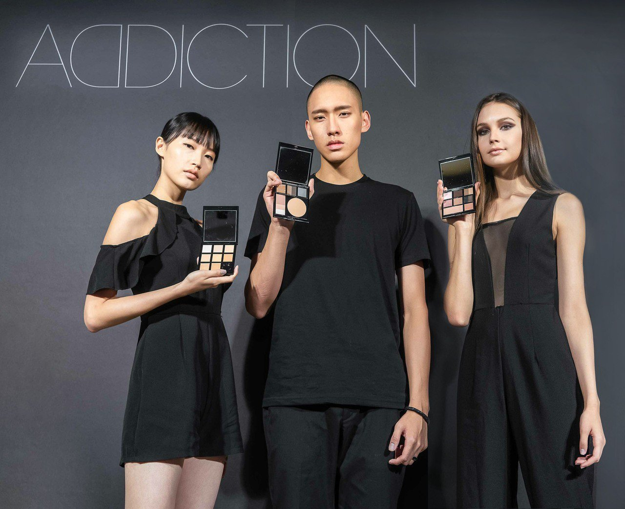 ADDICTION新彩盤,讓男人女人都能使用。圖/ADDICTION提供