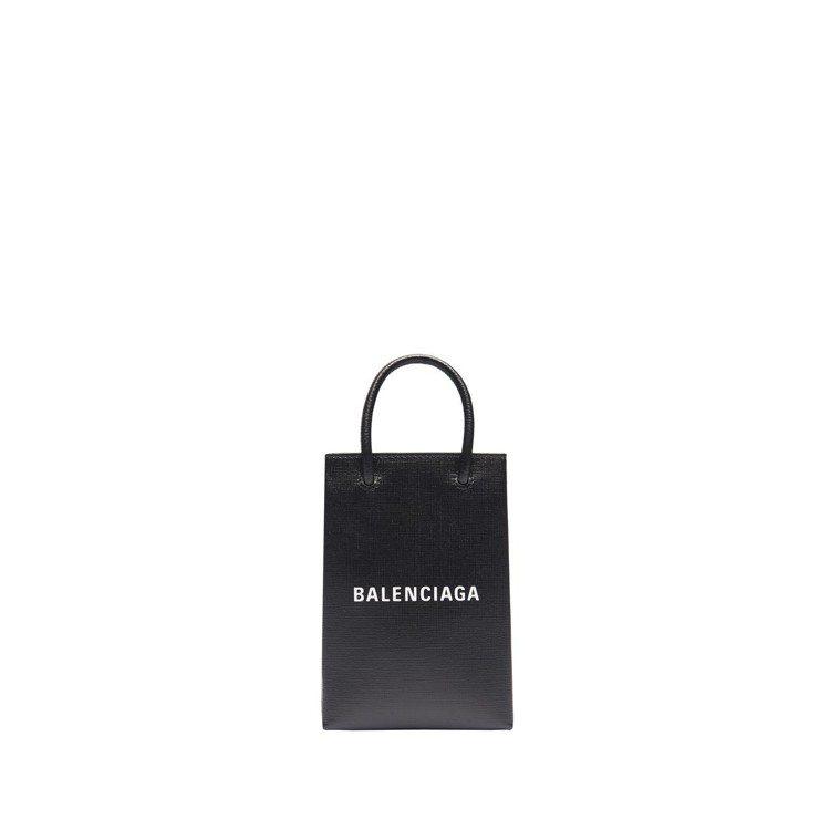 經典購物袋手機包28,700元。圖/Balenciaga提供