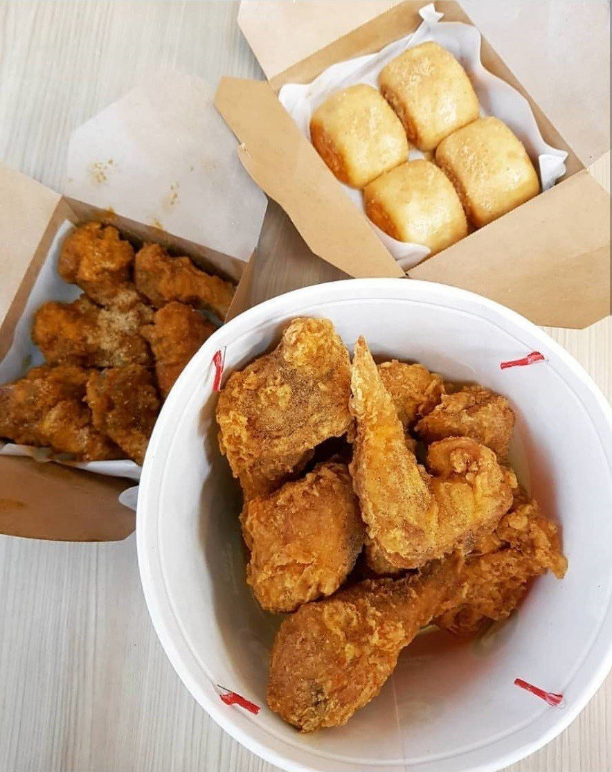 「拿坡里炸雞店」強大的IG網友搶先開箱。IG @sky0920900895提供