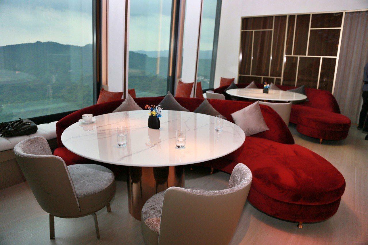 Mirawan座位有76席,並有3種包廂提供消費者選擇。記者魏妤庭/攝影