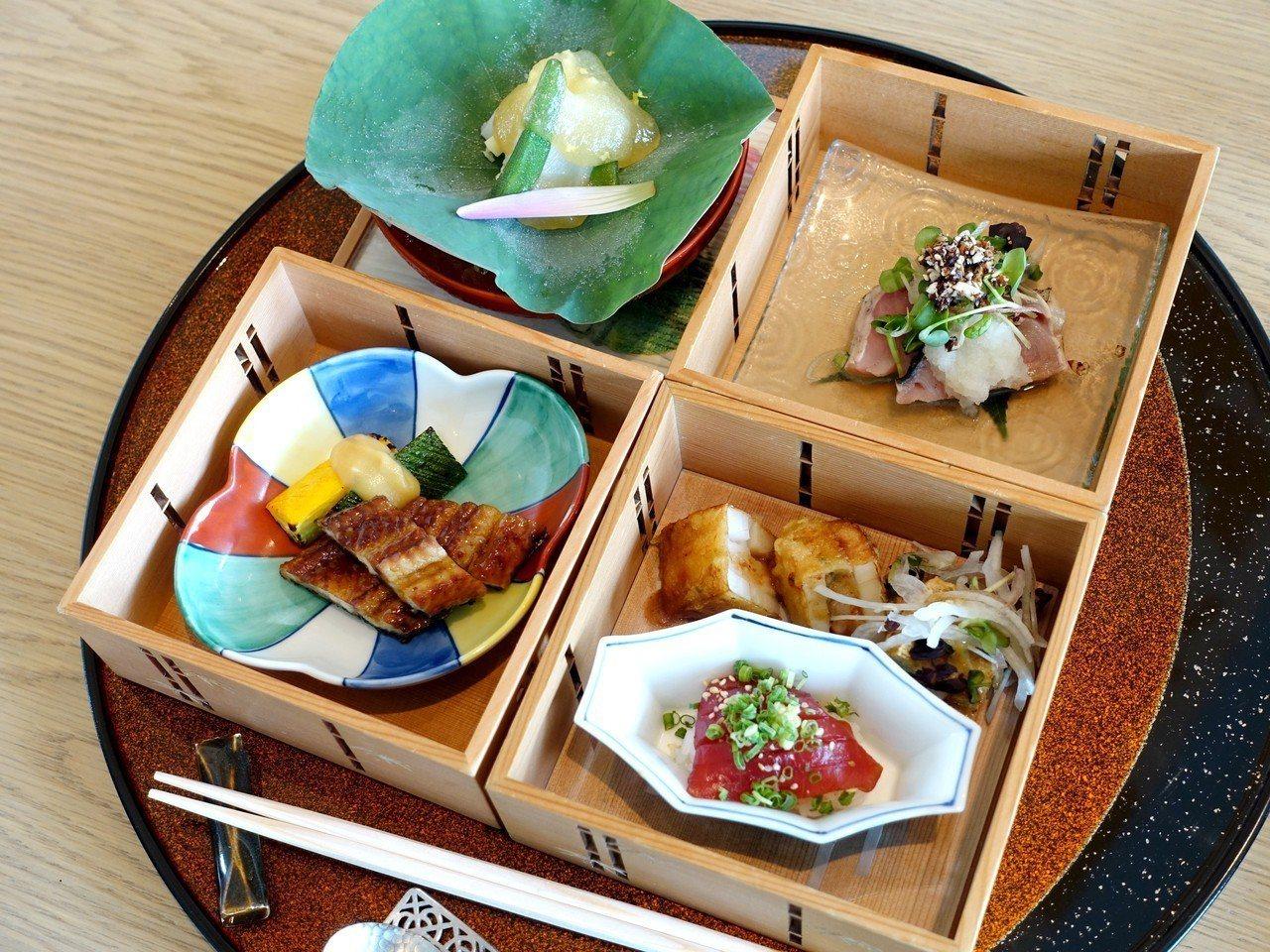 以花枝、鰹魚、鮪魚壽司、炭烤蒲燒鰻所組成的「四段重」。記者張芳瑜/攝影