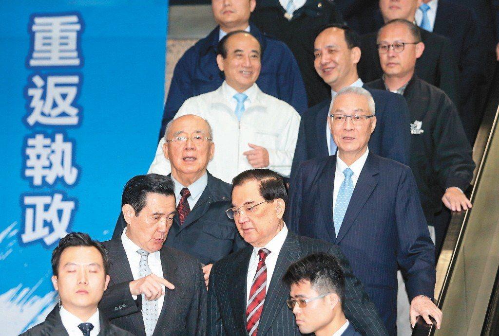 王金平與馬英九今年3月出席國民黨舉辦的祭典,一起搭手扶梯。圖/聯合報系資料照片