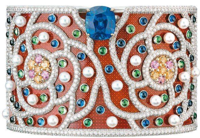 Folklore手鐲,18K白金、18K黃金鑲嵌7.34克拉橢圓形切割藍寶石、琺...