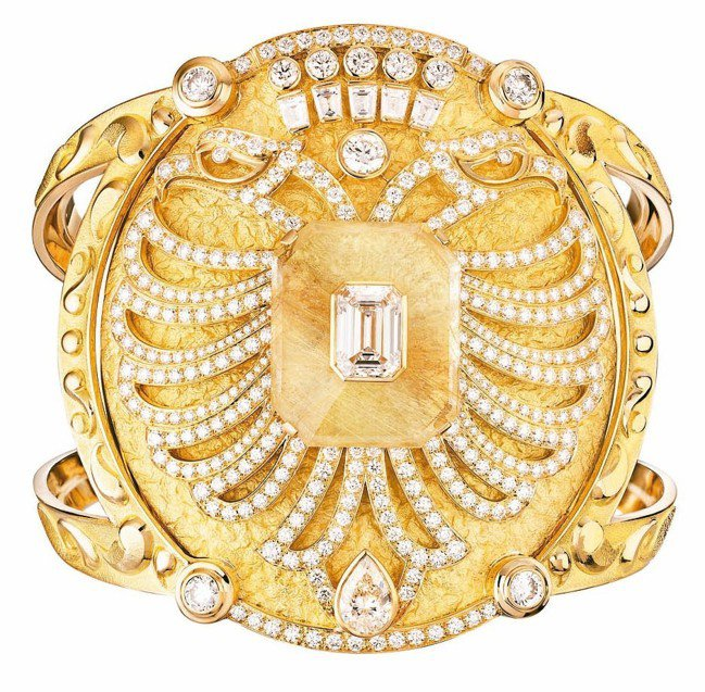 Aigle Cambon手鐲,18K黃金鑲嵌鑽石與雕刻石英,1,395萬8,00...