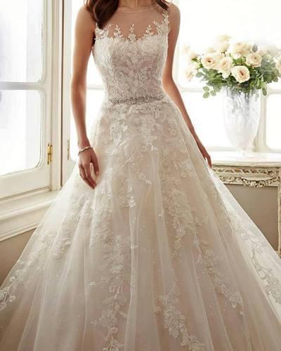 貝蒂斯決定將這件她從未穿過的婚紗放上網平價賣走。圖擷自Donna Bettiss...