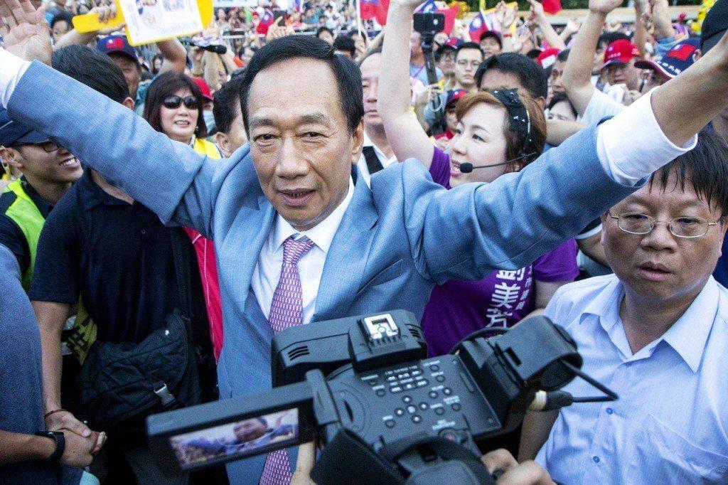 台灣首富郭台銘日前拋出「0到6歲國家養」的政見,並提議「徵收富人稅」,引起議論。...