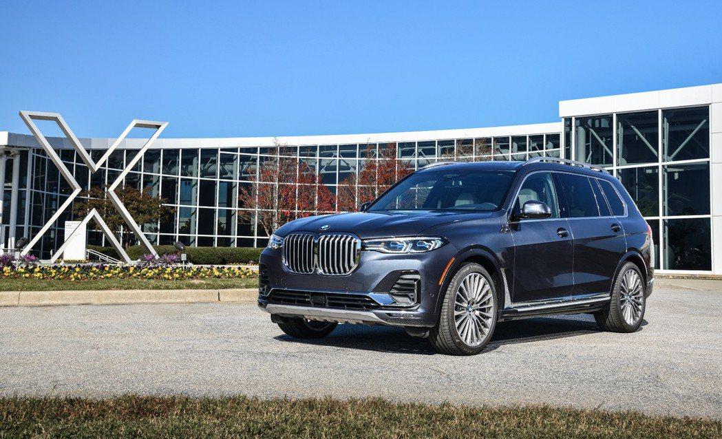 BMW於去年底正式推出品牌最大、最豪華的旗艦休旅X7,在上市短短不到三個月的時間...