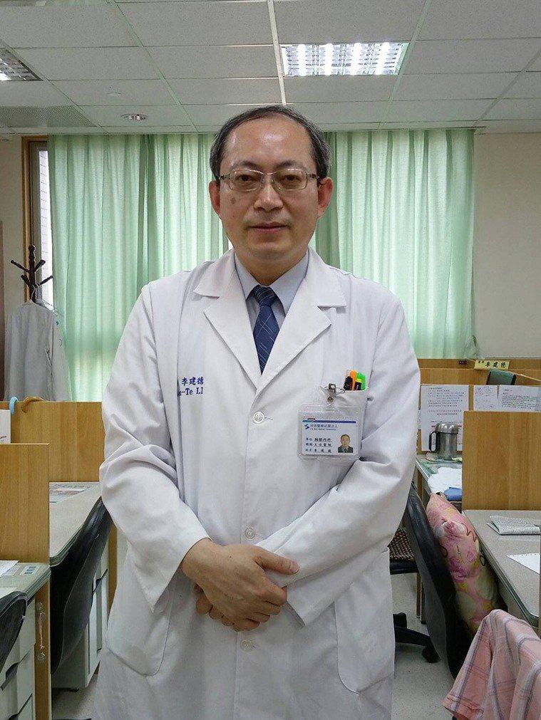烏日林新醫院胸腔內科主任李建德醫師說,「65歲以上年長者是嚴重肺炎的高風險族群,...
