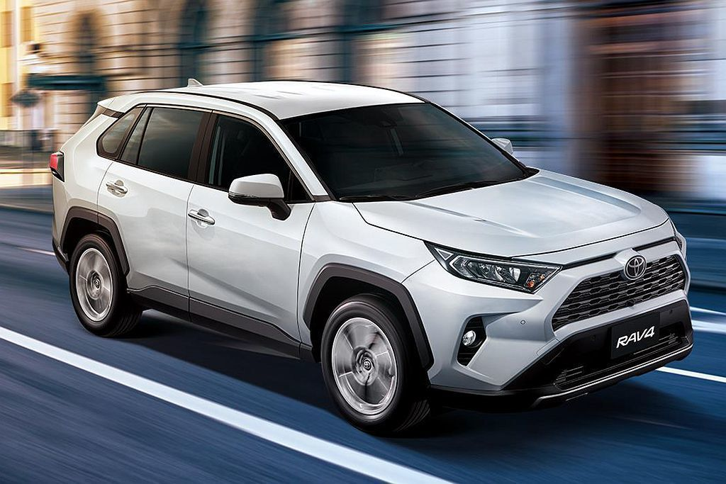 全新第五代Toyota RAV4就算才在3月底發表,但今年上半年已經累積銷售12...