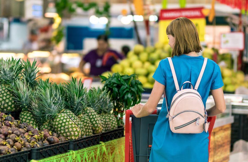 無論是在超市、量販店或是街頭巷尾隨處可見的便利商店,我們都可以看到許多大量用一次...