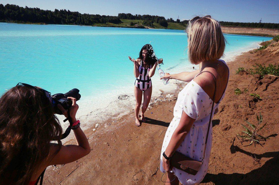 「網美們別再來了,這裡有汙染!」在俄羅斯的新西伯利亞附近,有一座最近成為IG網美...