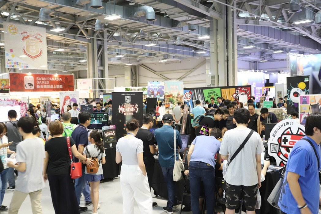 不誇張,玩家給力夏日電玩展就是人潮之多。 彭子豪/攝影