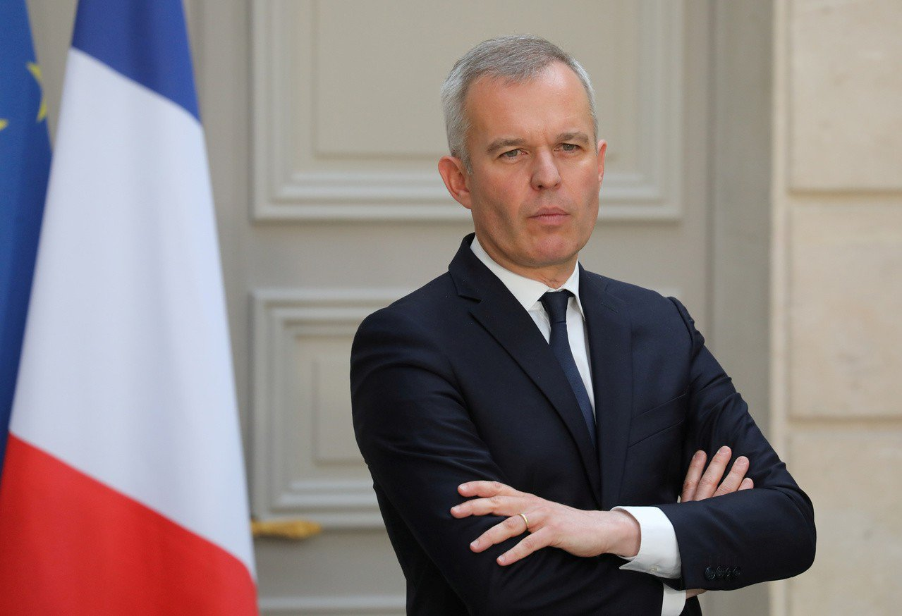 法國環境部長魯吉(François de Rugy)被控在國會議長任內,舉辦奢華...