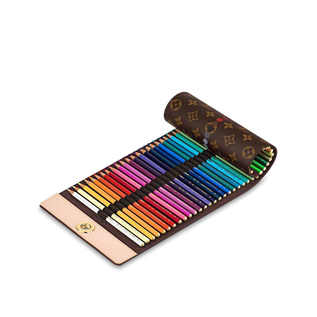 顏色筆筆袋,售價32,100元。圖/取自官網