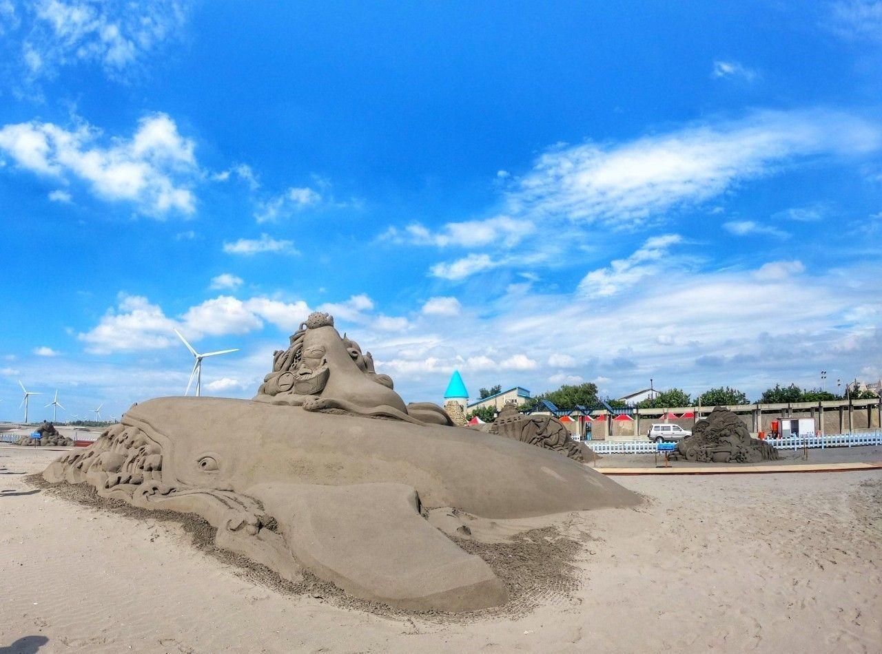 2019大安沙雕音樂季今年打造大型海翁主雕,鯨魚頭及尾2座總長20公尺、寬6公尺...