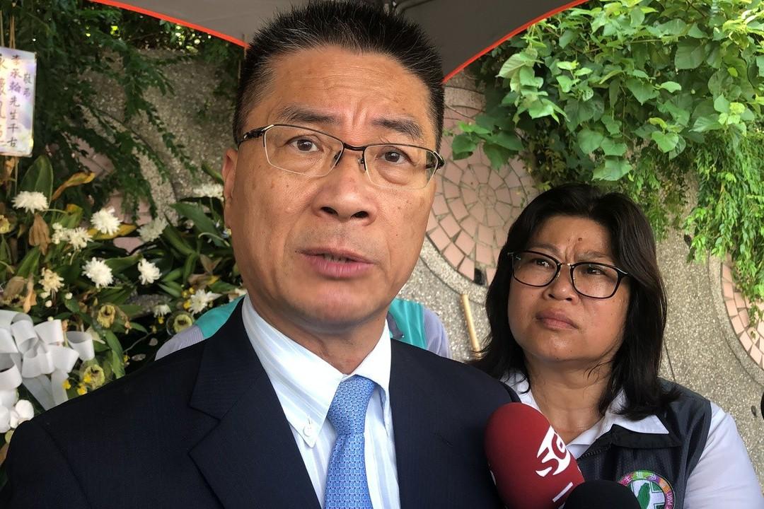 鐵警殉職 徐國勇:佩電擊槍執行有效率、不必修法