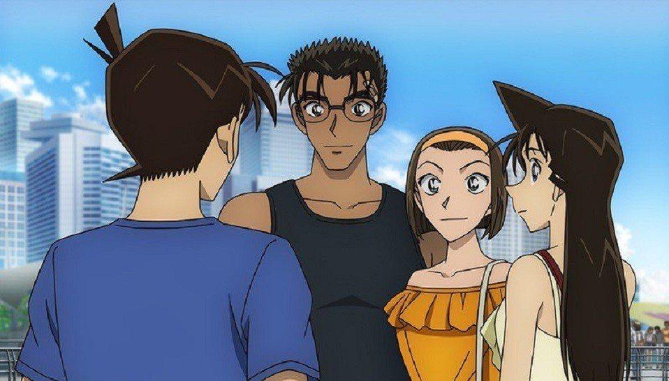 怪盜基德(左)在《名偵探柯南:紺青之拳》假冒工藤新一身分。圖/向洋提供
