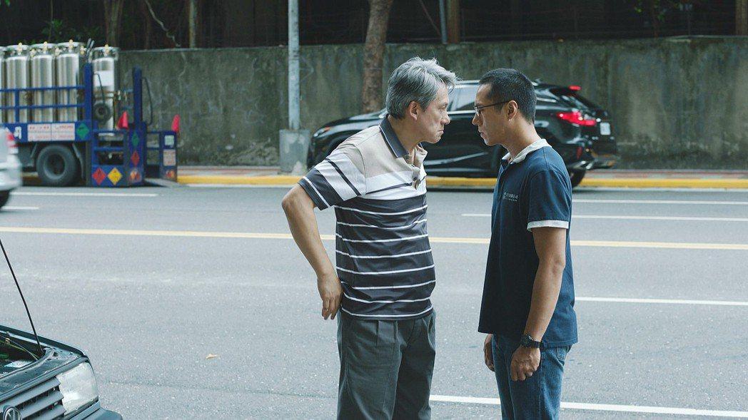 「噬罪者」戲中莊凱勛(右)被飾演喪女父親的羅光旭找上門討公道洩憤。圖/公視提供