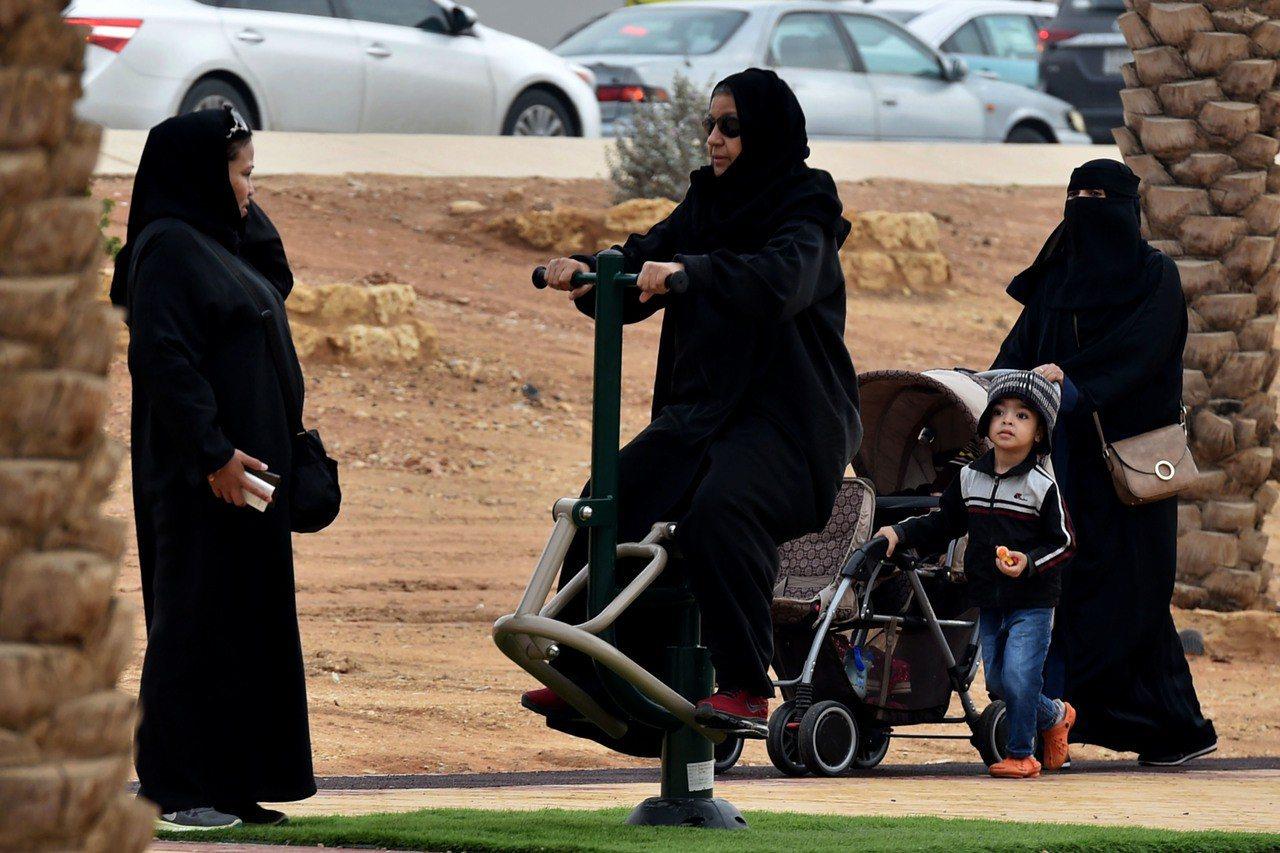 沙烏地阿拉伯打算修改監護法,讓女性可自由出國旅行。法新社