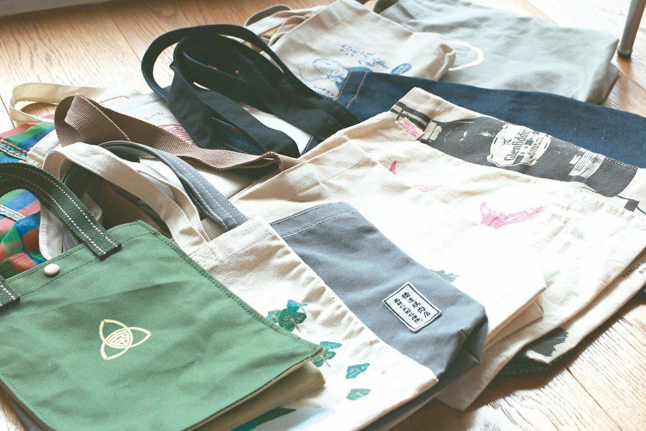 隨時常備各種環保購物袋,真的一點不用買。 圖/葉怡蘭提供