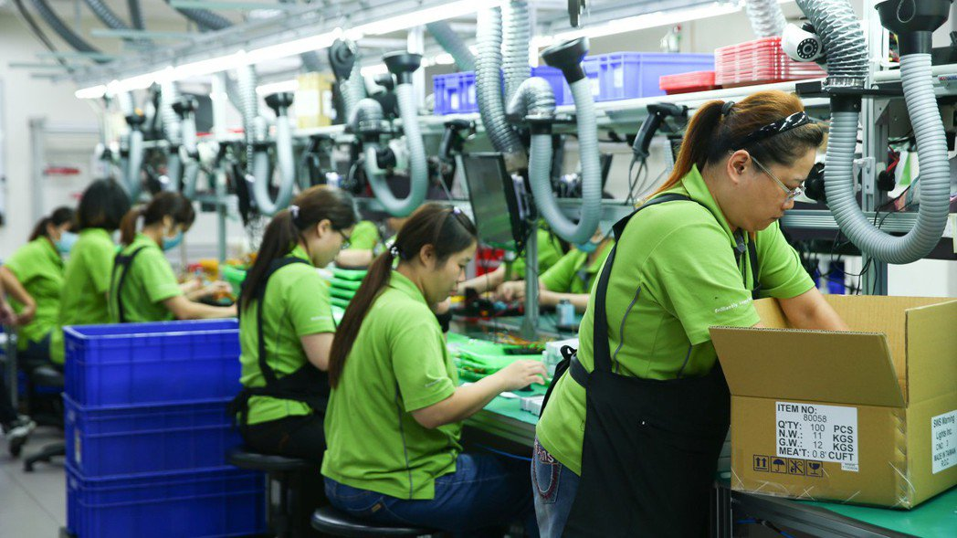 JULUEN巨輪興業董事長陳正忠重視員工的工作環境,希望把公司打造成幸福企業。 ...