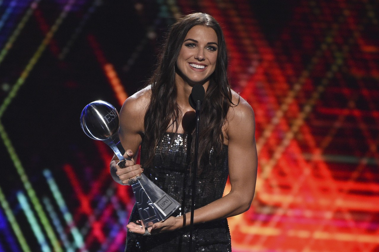 摩根獲頒卓越運動獎最佳女運動員。 美聯社