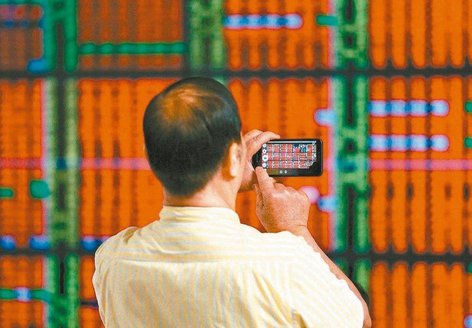 分析師表示,預期台股接下來個股表現空間仍將優於大盤,投資人可就基本面和法人動態來...