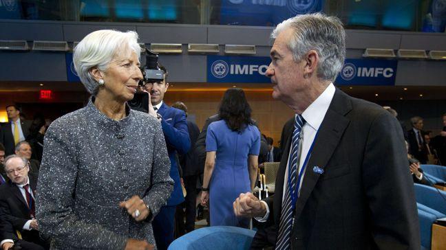 已獲提名為歐洲央行下任總裁的拉加德(左)和美國聯準會主席鮑爾一樣,都是律師而非經...