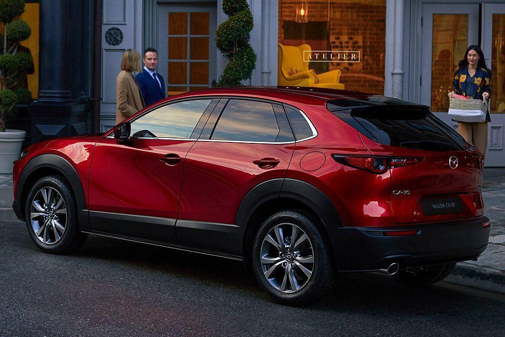 Mazda CX-30擁有長4,395mm、寬1,795mm、高1,540mm、...