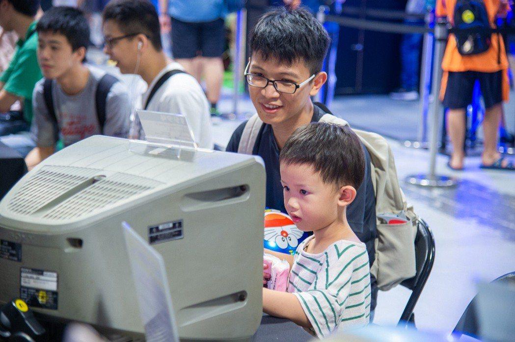 夏日桌遊樂園首設的「親子童玩區」兩天共湧入250位玩家,其中搭配的8款作品詢問度...