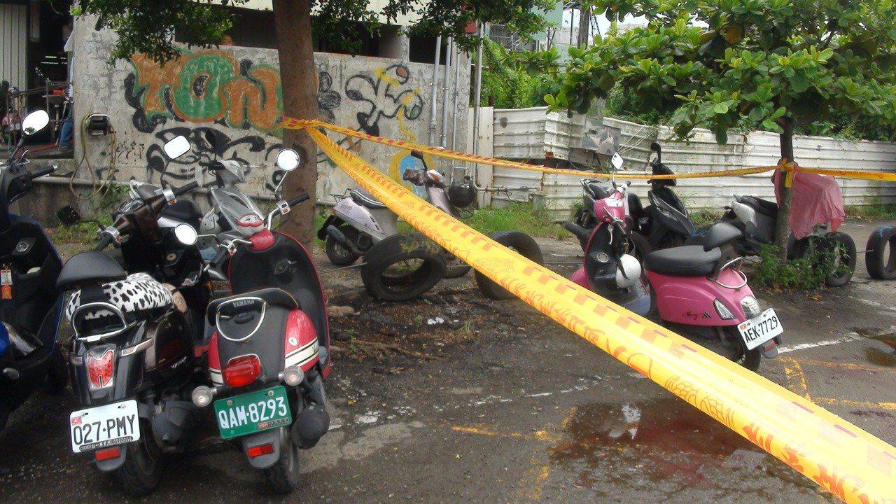 凶殺現場位在大社果菜市場南側停車場,靠近廁所位置。記者王昭月/攝影