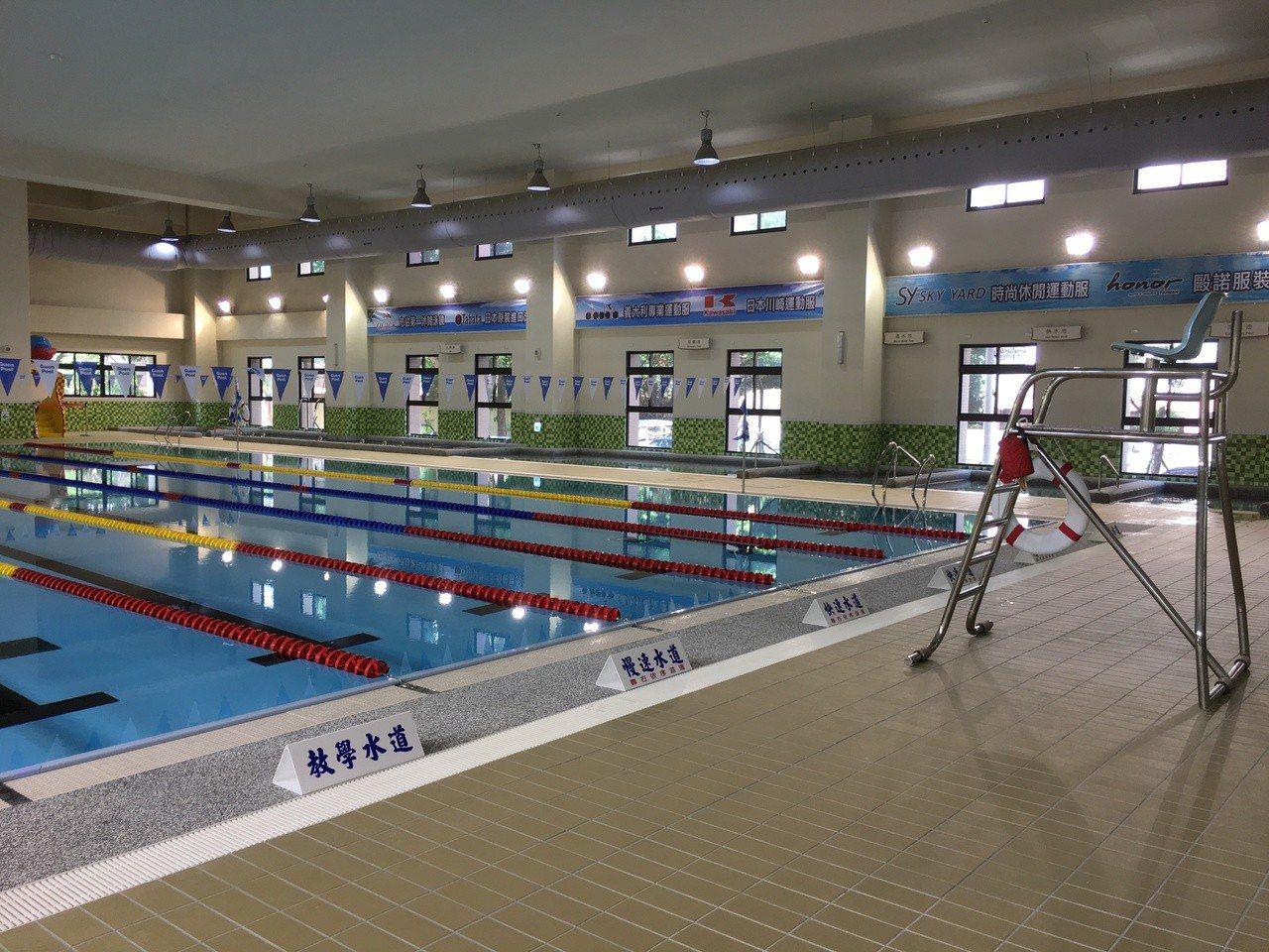 雲林縣首座國民運動中心斥資3億元打造,今天完工啟用,開始為期7天免費體驗試營運,...