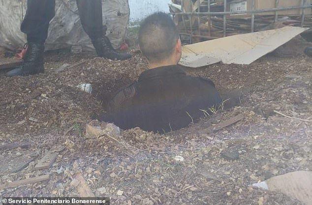 阿根廷首都一座重刑犯監獄的獄方日前破獲一宗逃獄計畫,發現多名犯人合力挖好一條地道...
