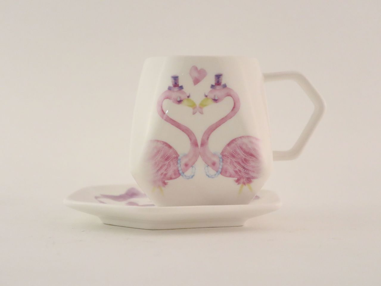 ECONECO天燈咖啡杯盤-愛情紅鶴Love flamingo。圖/日藥本舖提供
