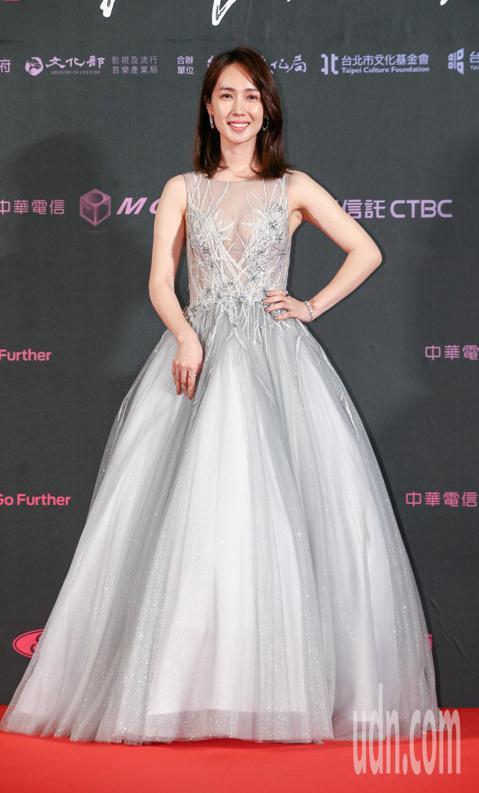 台北電影獎頒獎,眾女星秀美裝。