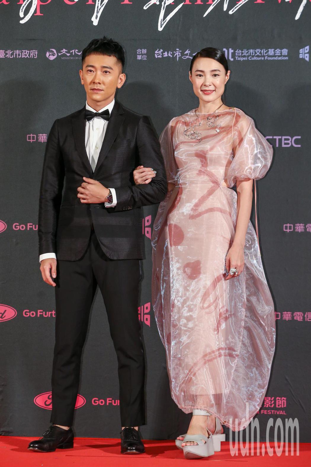 台北電影獎頒獎人施名帥(左)與曾珮瑜。記者曾原信/攝影