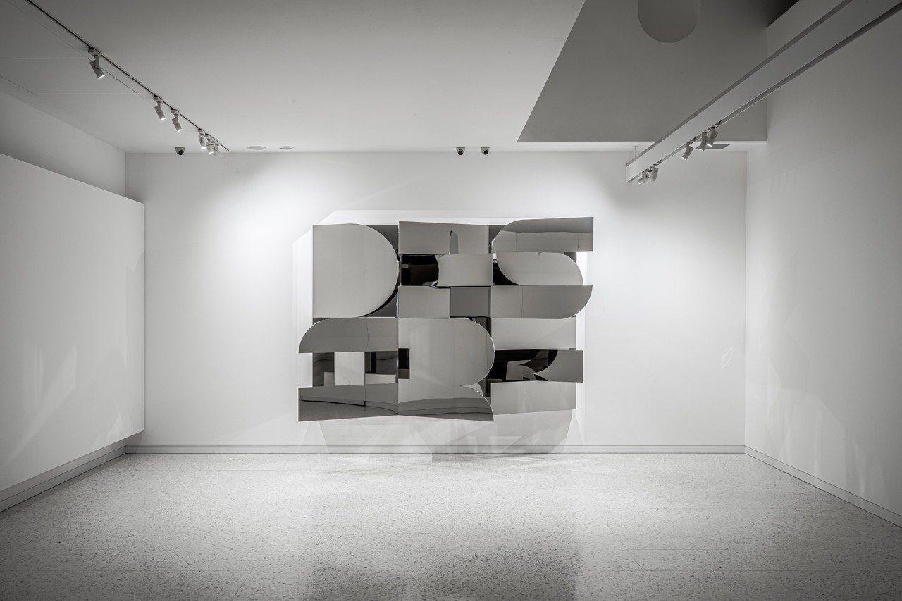 美國當代藝術家Doug Aitken作品「Desire 慾望」,震撼感十足。圖/...