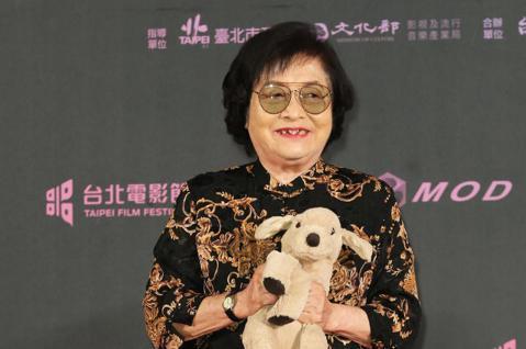 「2019第二十一屆台北電影獎」頒獎典禮,今天晚間七點於中山堂盛大舉行,資深藝人劉引商以短片《帶媽媽出去玩》入圍「最佳女主角」。