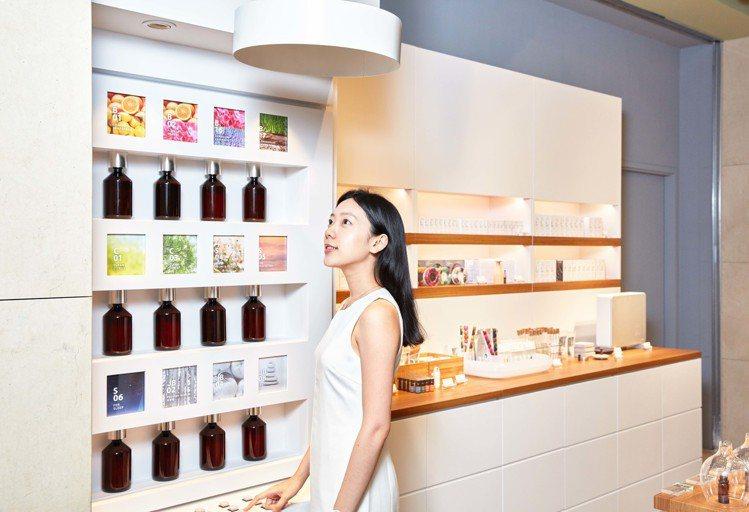 日本居家香氛品牌@aroma於台北誠品信義北歐櫥窗門市開設海外第一家分店。圖/北...