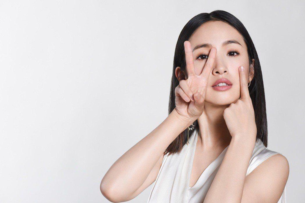 林依晨擔任21屆台北電影獎頒獎典禮。圖/台北電影節提供