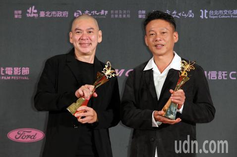 2019台北電影獎最佳導演及百萬首獎今晚揭曉,導演蔡明亮拿下最佳紀錄片及最佳導演二項大獎,百萬首獎則由《去年火車經過的時候》奪得。
