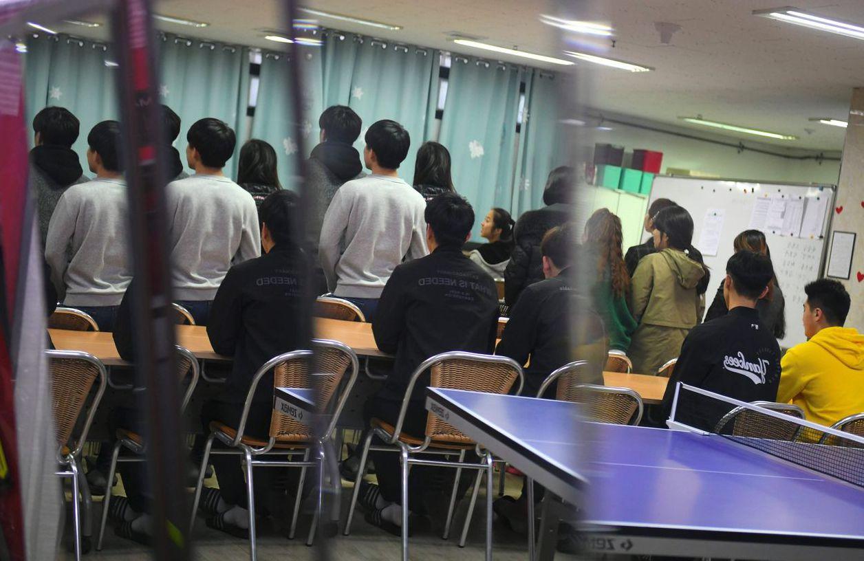 南韓首爾的沃利多學校提供成年脫北者課程,學習在南韓生活的基本知識。 (法新社)