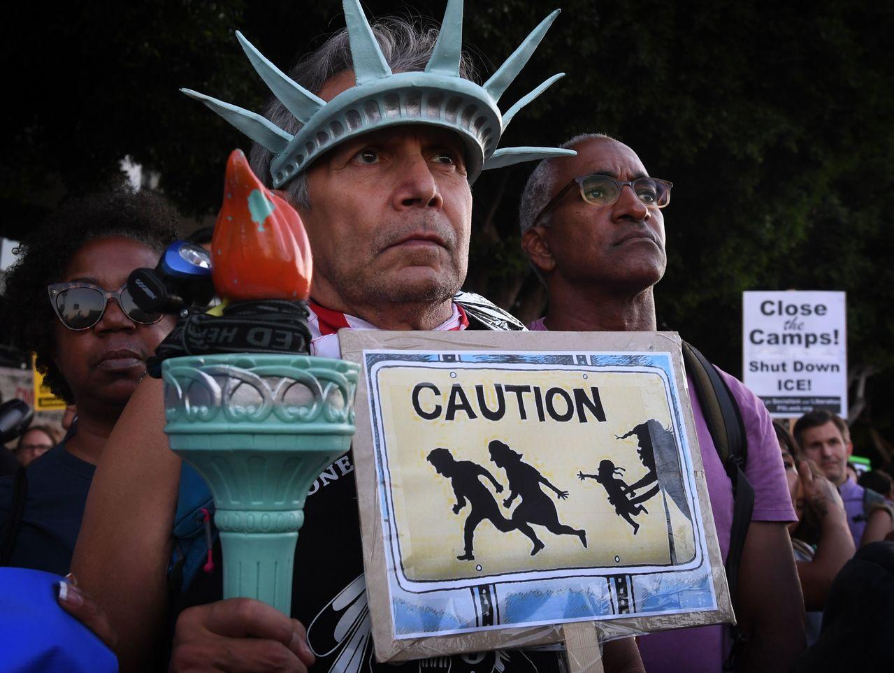 逮捕移民行動在紐約市提早展開。 法新社